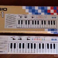 Instrumentos musicales: PIANO ELECTRÓNICO CASIO PT-1 FUNCIONANDO PERFECTAMENTE CON CAJA ORIGINAL COMO NUEVO VER FOTOS . Lote 60169319