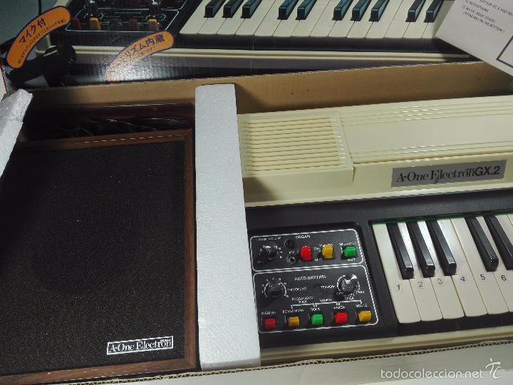 Instrumentos musicales: ESPECTACULAR ORGANO O TECLADO A-ONE ELECTRON GX.2 - ALTAVOZ - MICRO - FUNCIONANDO - 74 X 31 CM - - Foto 4 - 60207407