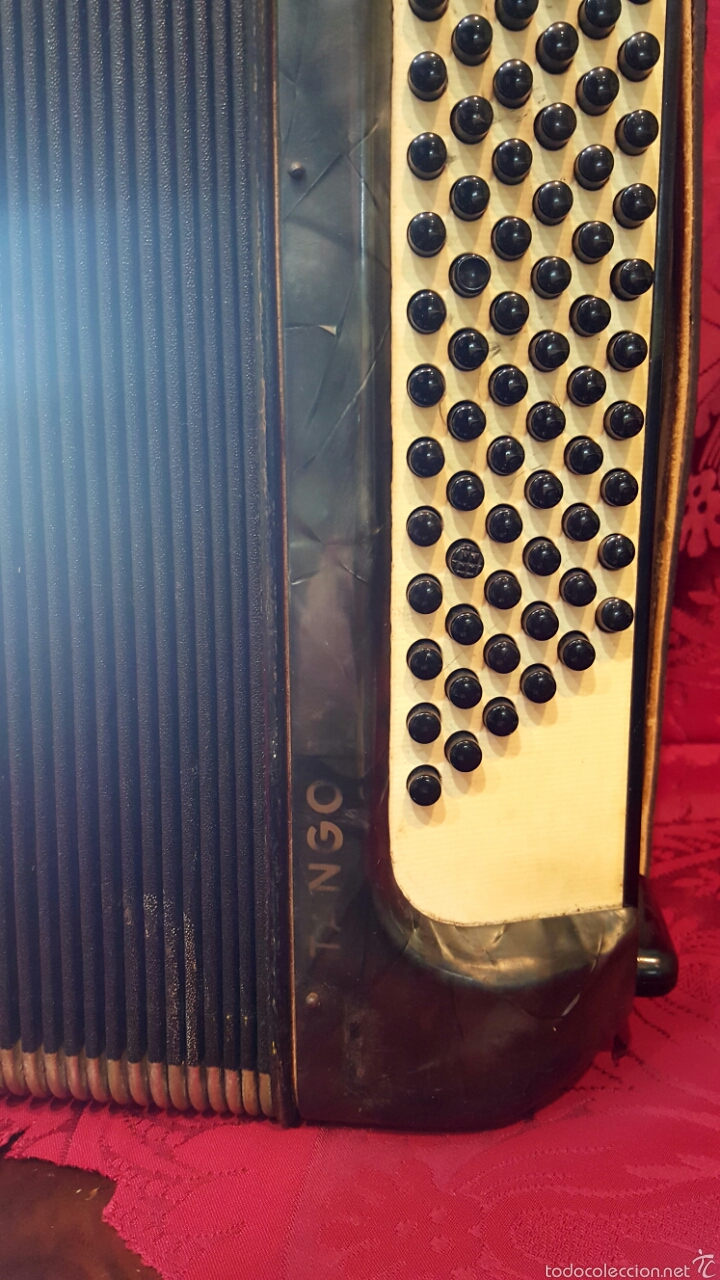 Instrumentos musicales: Acordeón marca Tango. Buen estado. - Foto 3 - 60464794