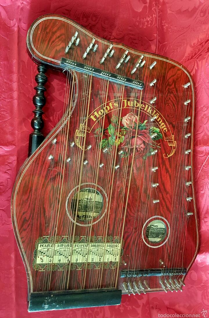 Instrumentos musicales: Preciosa citarina de madera ebonizada y pintada. Marca Hopfs Jubelklänge, Germany. Buen estado. - Foto 2 - 60464823