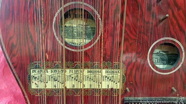 Instrumentos musicales: Preciosa citarina de madera ebonizada y pintada. Marca Hopfs Jubelklänge, Germany. Buen estado. - Foto 3 - 60464823