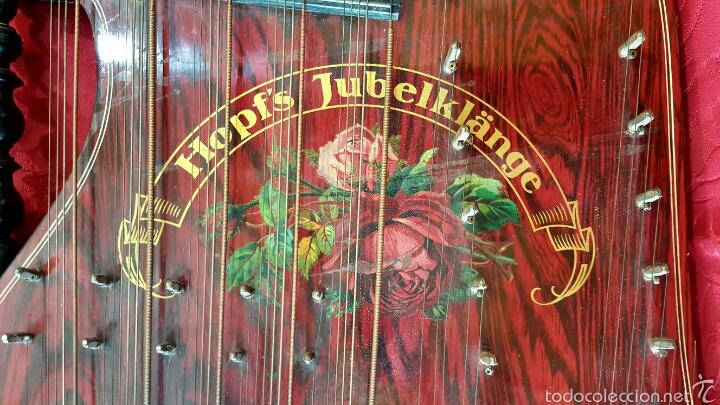 Instrumentos musicales: Preciosa citarina de madera ebonizada y pintada. Marca Hopfs Jubelklänge, Germany. Buen estado. - Foto 4 - 60464823