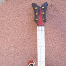 Instrumentos musicales: GUITARRA ELECTRICA INFANTIL AÑOS 60. ACEPTO OFERTAS. Lote 64590483
