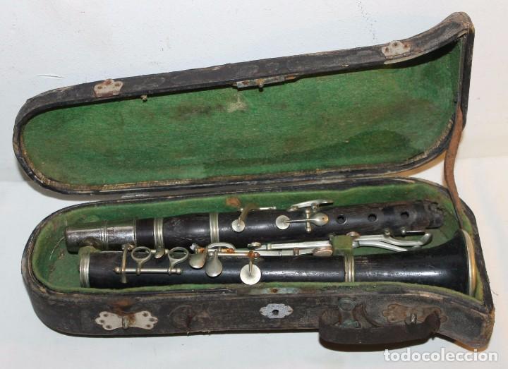 CLARINETE ANTIGUO DE PRINCIPIOS DEL SIGLO XX EN MADERA Y METAL - ESTUCHE DE MADERA ORIGINAL (Música - Instrumentos Musicales - Viento Madera)