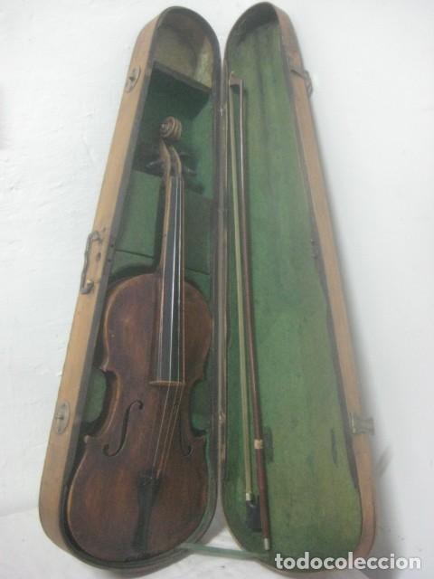 TREMENDO VIOLIN DEL SIGLO XVIII EN SU MALETIN ORIGINAL Y CON SU ARCO DE ORIGEN BULGARO, EXCELENTE (Música - Instrumentos Musicales - Cuerda Antiguos)