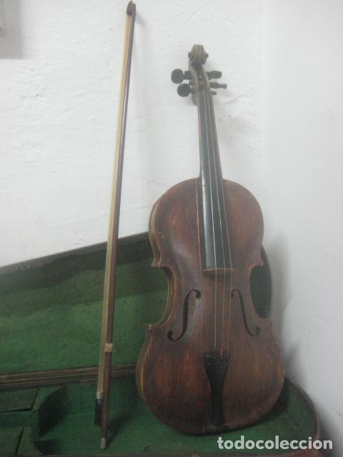 Instrumentos musicales: TREMENDO VIOLIN DEL SIGLO XVIII EN SU MALETIN ORIGINAL Y CON SU ARCO DE ORIGEN BULGARO, EXCELENTE - Foto 2 - 65749850