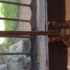 Instrumentos musicales: INSTRUMENTO CUERDAS CALABAZA CON INCRUSTACIONES Y PIEL ANIMAL . Lote 66115518