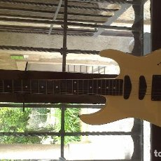 Instrumentos musicales: GUITARRA ELECTRICA BL. Lote 66117018