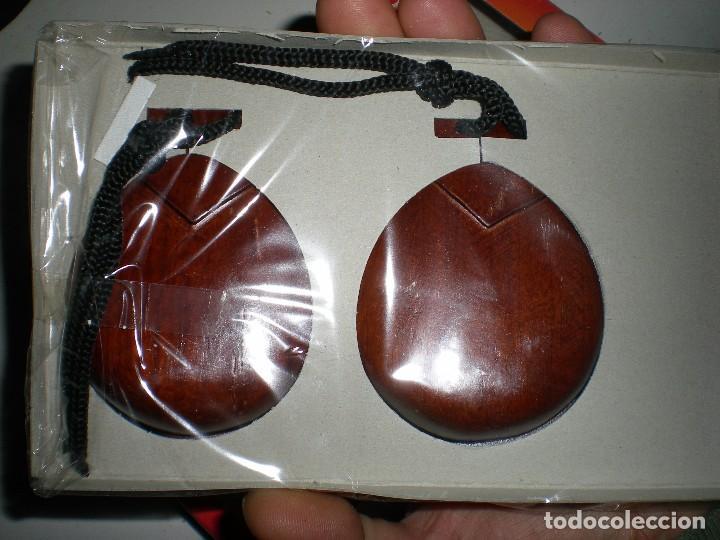 Instrumentos musicales: castañuelas nuevas sin uso hecha en España souvenir años 70 tarrega valencia - Foto 3 - 68179561