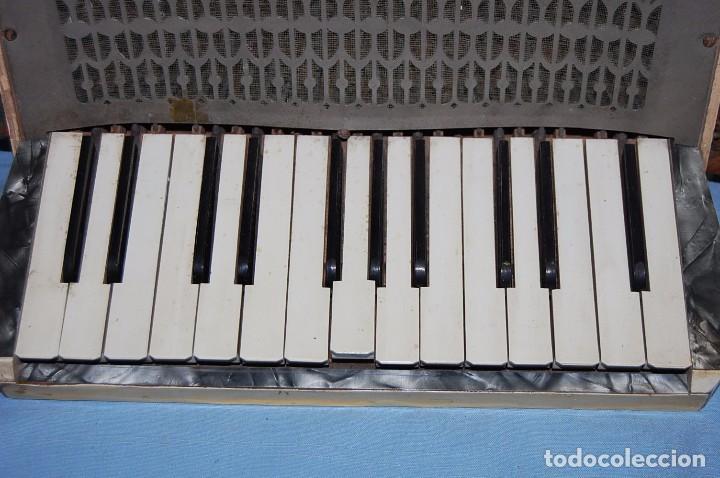 Instrumentos musicales: ANTIGUO ACORDEÓN - Foto 2 - 68330777