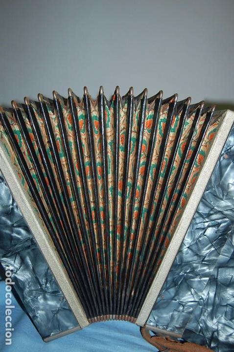 Instrumentos musicales: ANTIGUO ACORDEÓN - Foto 8 - 68330777