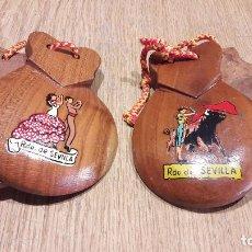 Instrumentos musicales: CASTAÑUELAS DE MADERA. RECUERDO DE SEVILLA. BAILAORA Y TORERO. BUENA CONSERVACIÓN.. Lote 69370929