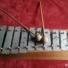 Instrumentos musicales: XILOFONO HECHO DE MADERA Y LAS NOTAS EN METAL , AÑOS 60/70. Lote 69604393