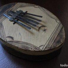 Instrumentos musicales: KALIMBA AFRICANA DE 5 TECLAS HECHA A MANO. Lote 70082481