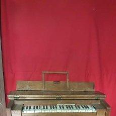Instrumentos musicales: ANTIGUO ARMONIO EN FUNCIONAMIENTO.. Lote 72058251