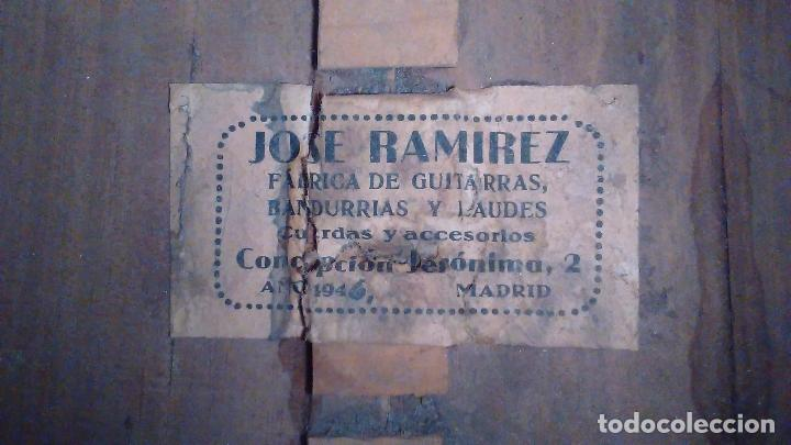 Instrumentos musicales: Bandurria de la fábrica de José Ramirez del año 1946 - Foto 2 - 57342219