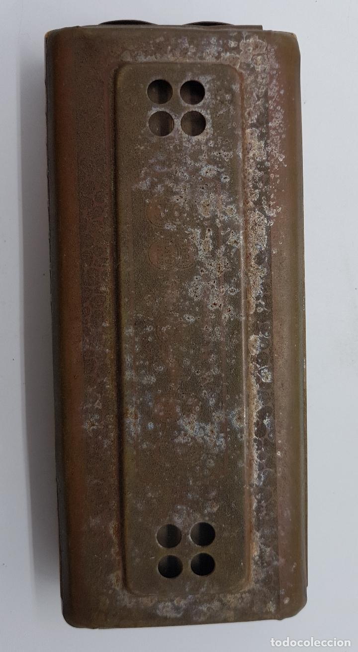 Instrumentos musicales: Armónica antigua en metal y madera de la marca Horner - Foto 3 - 80219769