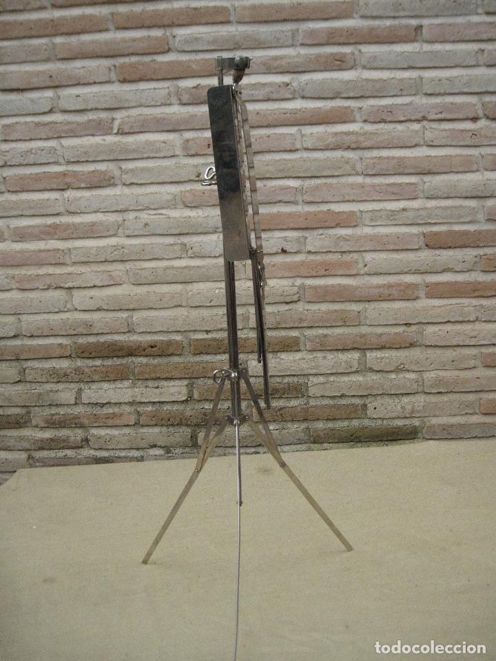 Instrumentos musicales: ATRIL ANTIGUO DE PIE EN HIERRO CROMADO, PARA PARTITURAS DE MUSICA. REGULABLE. - Foto 5 - 84545048