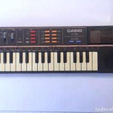 Instrumentos musicales: TECLADO ANTIGUO CASIO PT-82 CON ROM PACK RO 551 WORLD SONGS - FUNCIONA. Lote 206580118