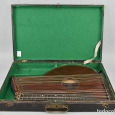 Instrumentos musicales: ANTIGUA ARPA CITARA SIGLO XIX 5,5X51X31 CM CAJA MALETA 235,00 €. Lote 87410684