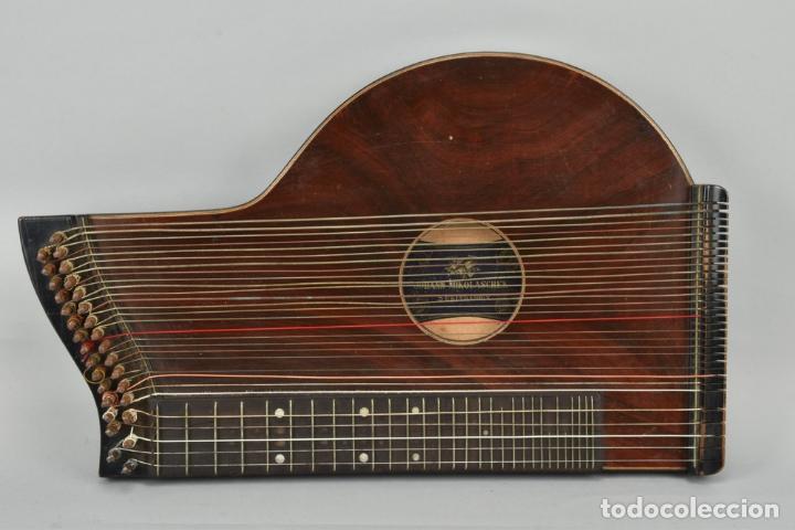 Instrumentos musicales: ANTIGUA ARPA CITARA SIGLO XIX 5,5x51x31 cm CAJA MALETA 235,00 € - Foto 4 - 87410684