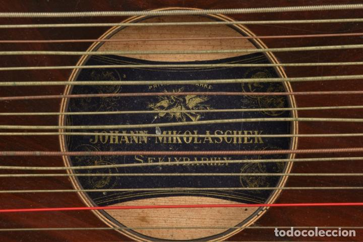 Instrumentos musicales: ANTIGUA ARPA CITARA SIGLO XIX 5,5x51x31 cm CAJA MALETA 235,00 € - Foto 5 - 87410684