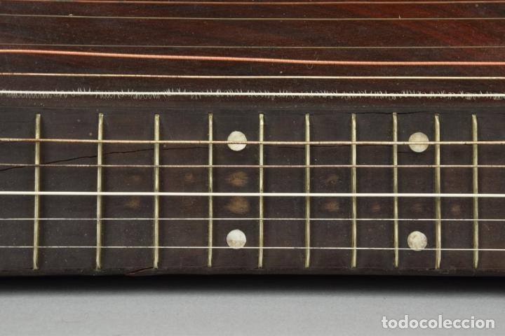 Instrumentos musicales: ANTIGUA ARPA CITARA SIGLO XIX 5,5x51x31 cm CAJA MALETA 235,00 € - Foto 8 - 87410684