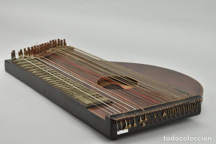 Instrumentos musicales: ANTIGUA ARPA CITARA SIGLO XIX 5,5x51x31 cm CAJA MALETA 235,00 € - Foto 10 - 87410684