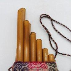 Instrumentos musicales: PRECIOSA FLAUTA INCA ANTIGUA HECHA ARTESANALMENTE DE CAÑA EN EL PERÚ.. Lote 90401396