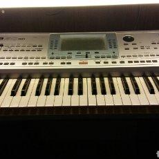 Instrumentos musicales: KORG PA50 SD TECLADO PROFESIONAL CON AMPLIFICADOR Y ALTAVOCES . Lote 95190750