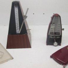 Instrumentos musicales: LOTE 2 METRÓNOMOS WITTNER TAKTELL. Lote 95621263