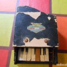 Instrumentos Musicais: ANTIGUO PEQUEÑO PIANO HAWRS GRAND PIANO. Lote 126190776