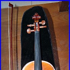 Instrumentos musicales: VIOLÍN 1/2 EN BUEN ESTADO. SE VENDE JUNTO CON MALETÍN Y ARCO. IDEAL PARA INICIACIÓN.. Lote 98162487