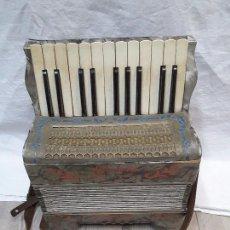 Strumenti musicali: ACORDEÓN MEINEL & HEROLD, AÑOS 30. Lote 102705808