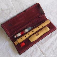 Instrumentos musicales: FLAUTA MOECH. ESTUCHE ORIGINAL CON LOS COMPLEMENTOS.. Lote 102974003