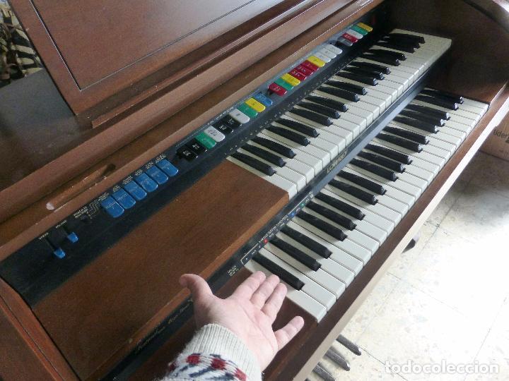 Instrumentos musicales: Antiguo Órgano Lowrey festival with magic genie - Funcionando con excelente sonido-Original años 60 - Foto 6 - 104399607