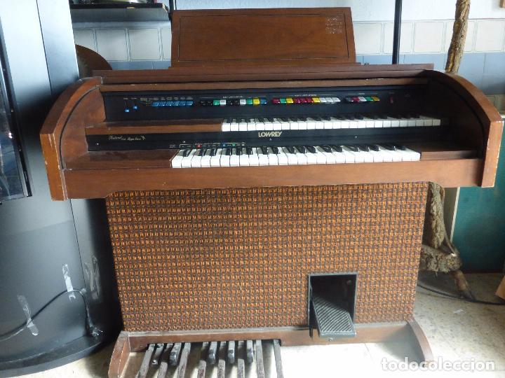 Instrumentos musicales: Antiguo Órgano Lowrey festival with magic genie - Funcionando con excelente sonido-Original años 60 - Foto 9 - 104399607