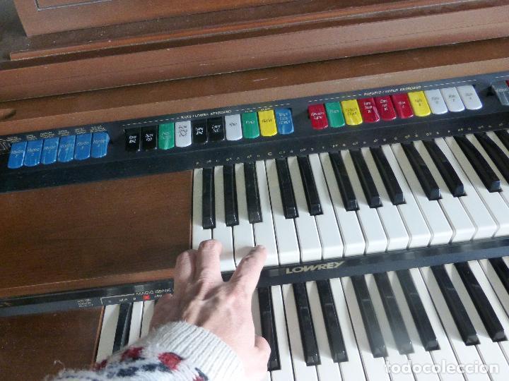 Instrumentos musicales: Antiguo Órgano Lowrey festival with magic genie - Funcionando con excelente sonido-Original años 60 - Foto 10 - 104399607