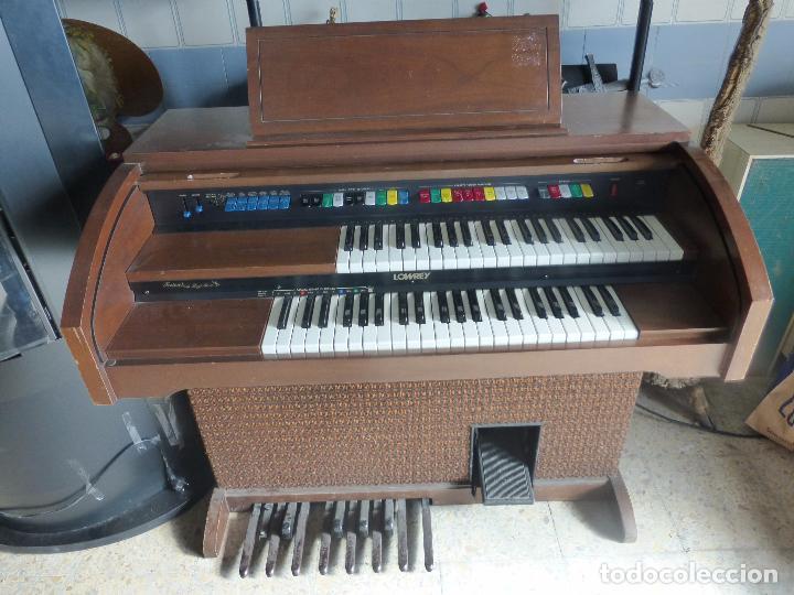 Instrumentos musicales: Antiguo Órgano Lowrey festival with magic genie - Funcionando con excelente sonido-Original años 60 - Foto 11 - 104399607