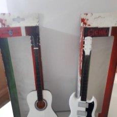 Instrumentos musicales: GUITARRA DE COLECCIÓN VARIOS GRUPOS DE ROCK . Lote 105666947