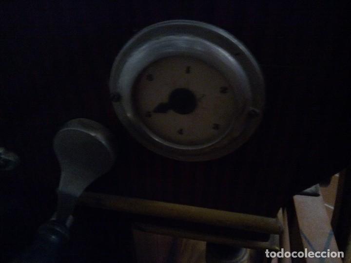 Instrumentos musicales: * ORGANILLO CON CARRO.VICENTE LLINARES. MANUBRIO. (RfB/e**) - Foto 4 - 108071611