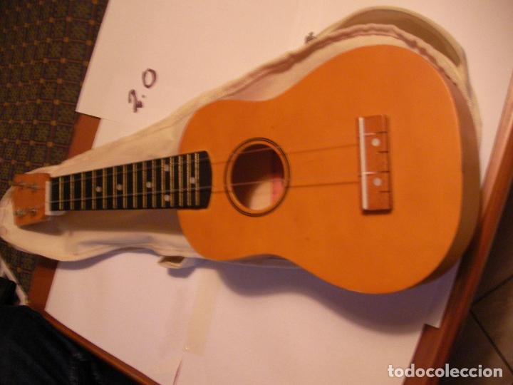 Instrumentos musicales: UKELELE CON FUNDA - Foto 2 - 108321259