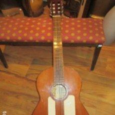 Instrumentos musicales: GUITARRA ESPAÑOLA MARCA J. ALVAREZ . MEDIDA: 1 M. DE LARGO X 38 CMS. ANCHO. PARA RESTAURAR. Lote 110967375