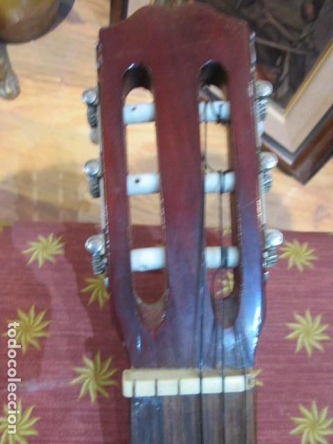 Instrumentos musicales: Guitarra española marca J. Alvarez . Medida: 1 m. de largo x 38 cms. ancho. para restaurar - Foto 5 - 110967375
