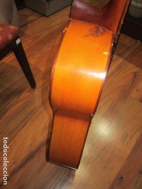 Instrumentos musicales: Guitarra española marca J. Alvarez . Medida: 1 m. de largo x 38 cms. ancho. para restaurar - Foto 10 - 110967375
