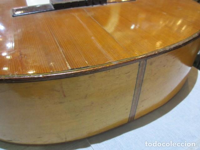 Instrumentos musicales: Guitarra española marca J. Alvarez . Medida: 1 m. de largo x 38 cms. ancho. para restaurar - Foto 12 - 110967375