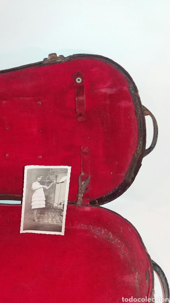 Instrumentos musicales: Antigua funda violín madera cuero tela asa metal instrumento cuerda - Foto 6 - 111419874