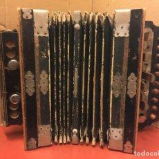 Instrumentos musicales: ANTIGUO ACORDEON INFANTIL. AÑOS 30. MUY CURIOSO. IDEAL COLECCIONISTAS. LEER MAS.... Lote 111635611