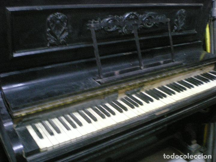 PIANO ANTIGUO DE PARED S. XIX (Música - Instrumentos Musicales - Pianos Antiguos)