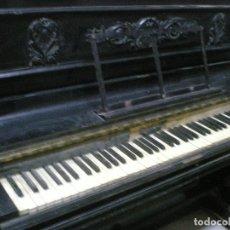 Instrumentos musicales: PIANO ANTIGUO DE PARED S. XIX. Lote 112155427